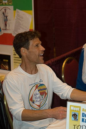 Dean Karnazes - Karnazes at the 2008 Napa Valley Marathon expo