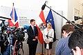 Der britische Außenminister Jeremy Hunt zum Gespräch bei Außenministerin Karin Kneissl (42885665085).jpg