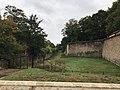 Douves forteresse du Mont-Valérien 2.jpg