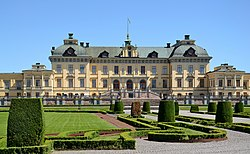 Drottningholm Palace (by Pudelek) 3.jpg