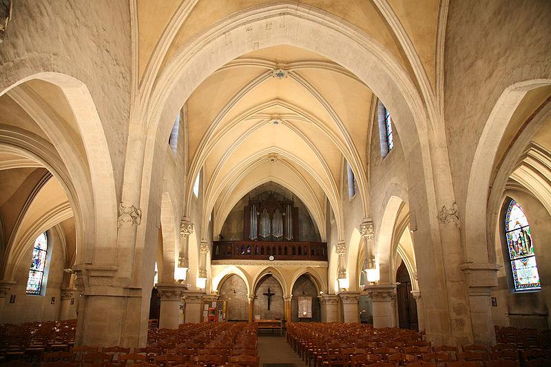 Bon Vendredi 800px-Eglise_st_saturnin_280410-110