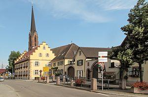 Eichstetten am Kaiserstuhl - Image: Eichstetten, die evangelische Kirche in straatzicht foto 3 2013 07 24 17.56