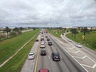 Hurricane Irma - Eastbound Interstate 4 lanes on the afternoon of September 9 are filled with evacuating traffic from the Gulf Coast (note the emergency shoulder use by moving traffic), while westbound lanes are almost empty at 5 PM on a Saturday afternoon