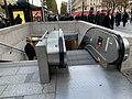 Entrée Station Métro George V Paris 4.jpg