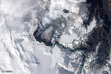 NASA-Aufnahme des Ausbruchs am 24. März 2010 - NASA image by Robert Simmon - Public Domain - durch Wikimedia Commons