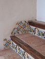 Esglaons amb ceràmica, claustre renaixentista del Carme, València.JPG