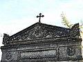 Excideuil cimetière caveau fronton.JPG