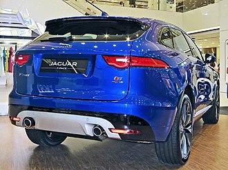 Jaguar F-Pace - Image: F P X761n hk 160627 8737besg