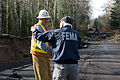 FEMA - 40127 - FEMA PIO and WA DOT official in Washington.jpg