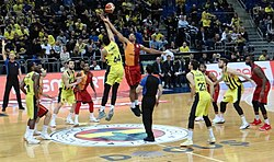 Fenerbahçe Men's Basketball vs Galatasaray Men's Basketball TSL 20180304 (46) (cropped).jpg