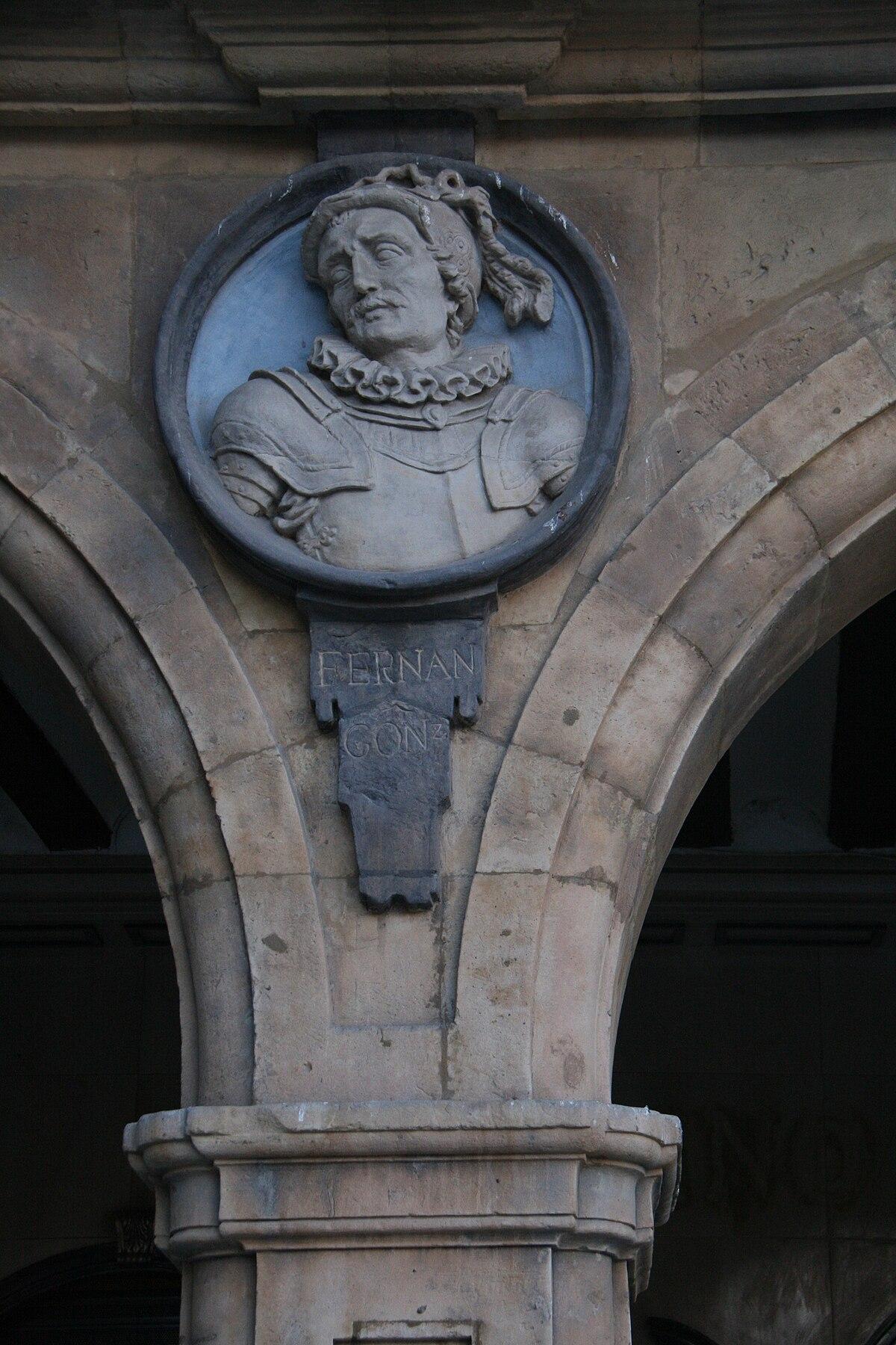 Fernán González - Plaza Mayor Salamanca.jpg
