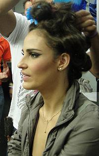 Fernanda Tavares @ Backstage Monange Dream Fashion Tour 2010, Rio de Janeiro.jpg