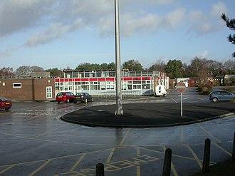 Ferndown Upper School - Image: Ferndown Upper School (geograph 1666313)