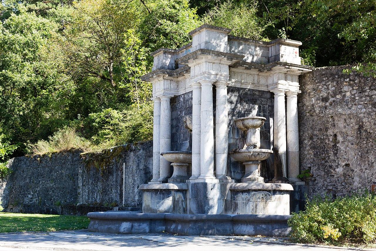 Digne-les-Bains France  city photos : Fontaine, Digne les Bains, France Wikimedia Commons