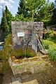 Fontaine de la source du Robec, côté droit.jpg