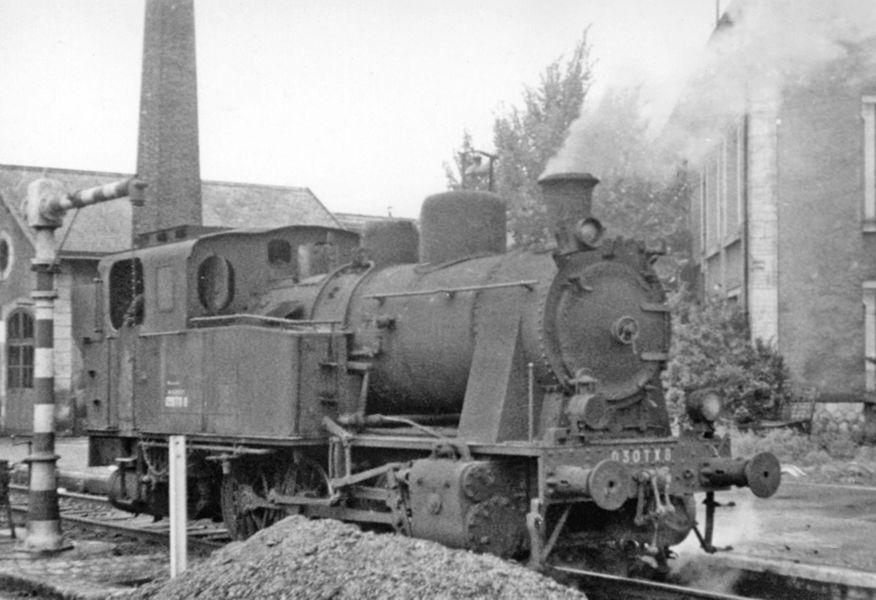 SNCF 0-6-0T at Périgueux (Dordogne), 1956