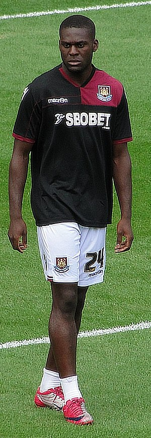 Frank Nouble - Nouble warming-up for West Ham, August 2011