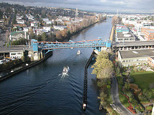 Fremont Cut - The Fremont Cut and the Fremont Bridge, looking west from the George Washington Memorial Bridge, 2004