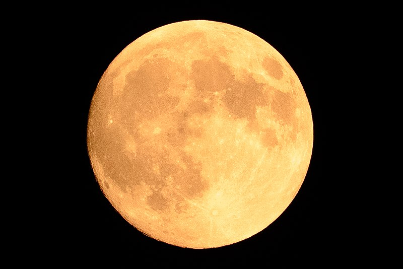 File:Full moon in Aoto, Katsushika-ku, Tokyo, Japan; September 2015.jpg