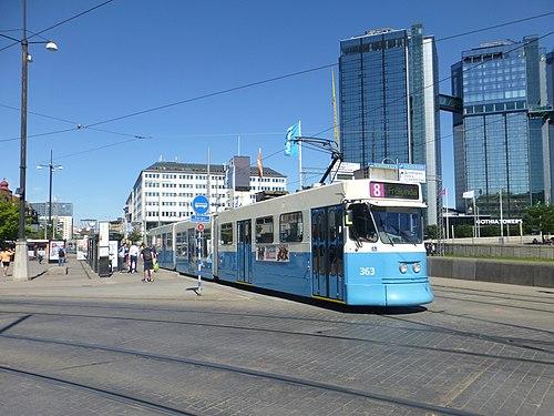 Göteborg tram line 8 at Korsvägen.JPG