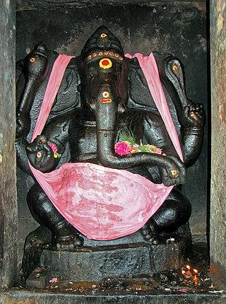 Ganesha, Brihadeeswarar Temple.jpg
