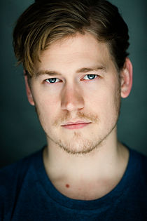 Gavin Stenhouse (actor).jpg