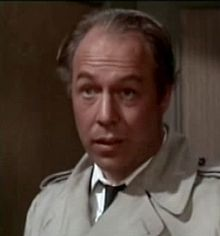 O actor estatounitense George Kennedy en a cinta Charade (1963).