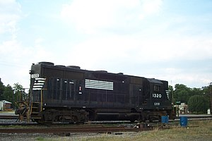 Georgia Midland Railroad - Image: Georgia Midland Railroad GP35 1320 05 14 04 178
