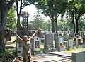 Gräberreihe mit Kreuz.jpg