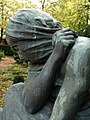 Grabskulptur auf dem Friedhof am Hörnli. Von Édouard-Marcel Sandoz (1881–1971)̠0.jpg