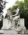 Grabstätte Familie Schulte, Skulptur Marmor, Nordfriedhof Düsseldorf.jpg