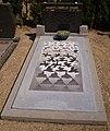 Grafsteen M.C. Escher.jpg