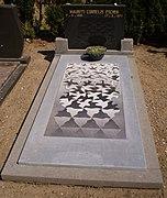 File:Grafsteen M.C. Escher.jpg