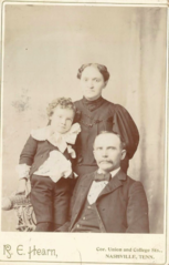 Group portrait by R E Hearn of Nashville Tennessee.png