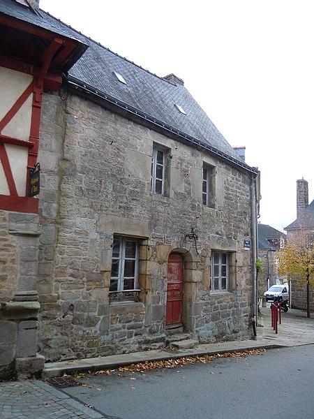 Maison de Guémené-sur-Scorff, sise au 1 rue Emile Mazé, inscrite aux monuments historiques