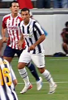 Quagliarella in azione con la maglia della Juventus nell'estate 2011.