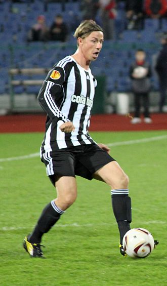 Guti (footballer) - Guti playing for Beşiktaş in 2010