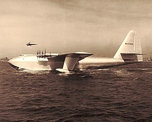 "H-4 Hercules ""Spruce Goose"" US FAA photo<br />from https://commons.wikimedia.org/wiki/File:H-4_Hercules_2.jpg 299px-H-4_Hercules_2.jpg"