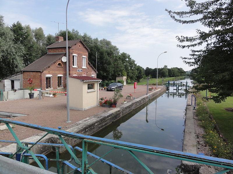 Hauteville (Aisne) canal de la Sambre à l'Oise, écluse 23