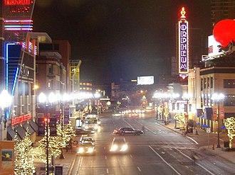 Orpheum Theatre (Minneapolis) - The Orpheum Theatre at night