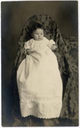 Фотография в жанре «спрятанная мать» (2-я половина XIX века)