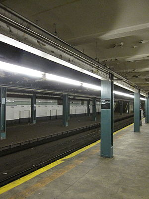 Hoyt–Schermerhorn Streets (New York City Subway) - Each of the two abandoned platforms at the station is adjacent to one of the open platforms.