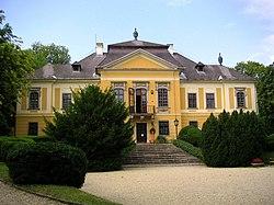 Hungary Noszvaj DeLaMotte palace.jpg