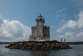 Huntington Harbor Light