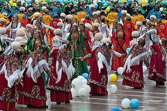 Folk dance - Image: Independence Day Parade Flickr Kerri Jo (242)