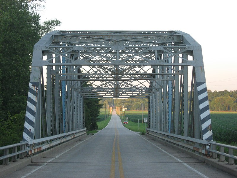 Datei:Indiana State Road 42 Bridge over Eel River, western portal.jpg