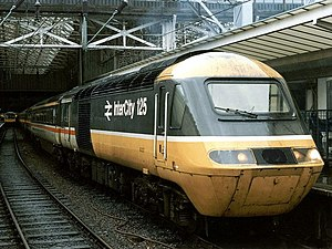 InterCity 125 - An InterCity 125 about to depart Manchester Piccadilly in 1986