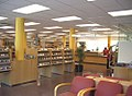 Interior Biblioteca La Bòbila D0615.jpg