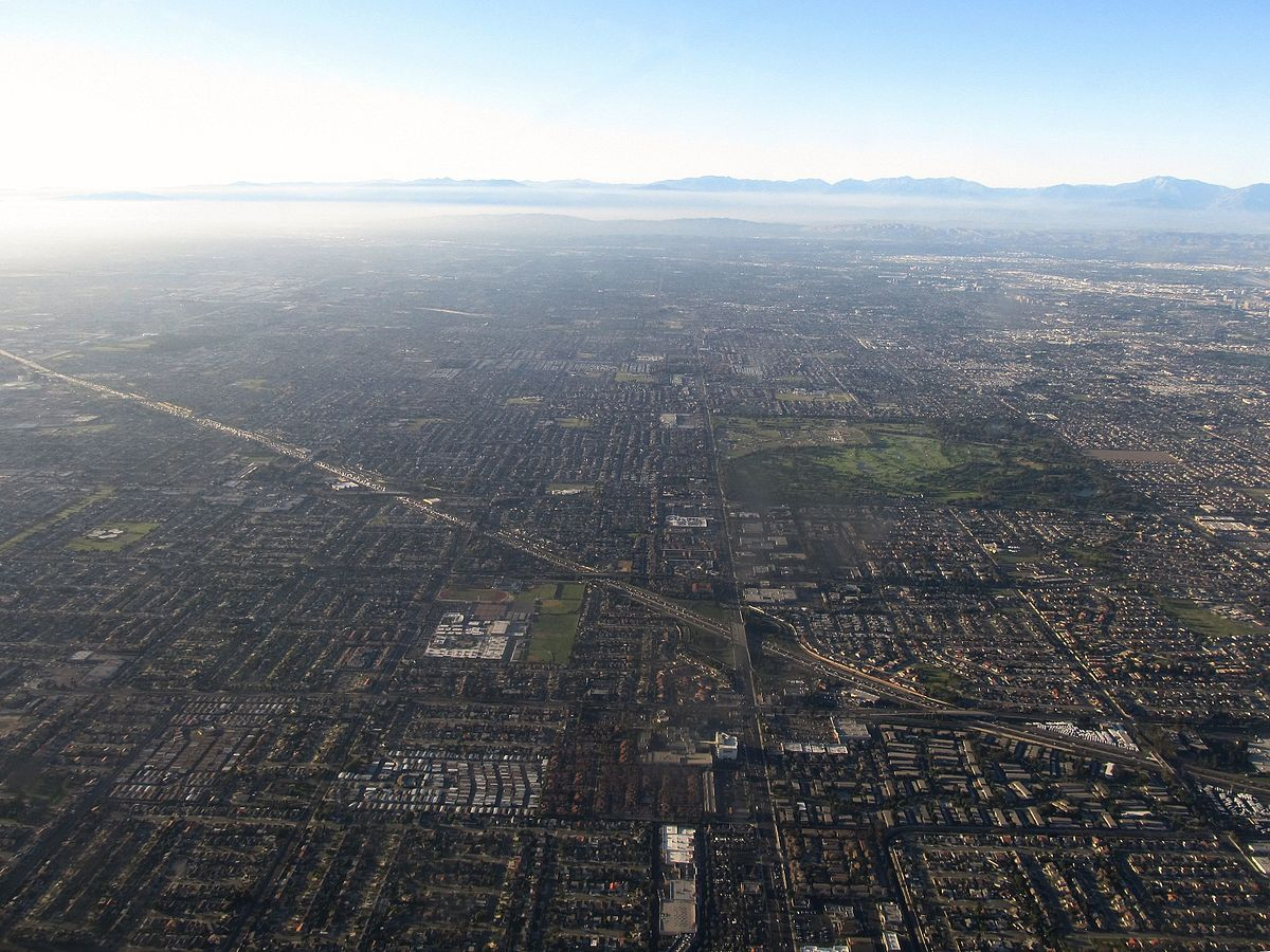 Interstate 405 Through Fountain Valley and Westminster, California (6013793940).jpg