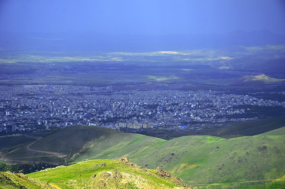 Iran - Hamedan view from Alvand Mountain - panoramio